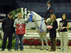 Ali Tritschler Caps Final Day At WIHS With Pony Equitation Classic Win