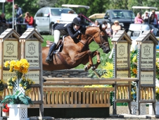 "Patricia Griffith Wins <a href=""http://www.chronofhorse.com/article/sienna-takes-stage-500000-diamond-mills-hunter-prix"">$500,000 Diamond Mills Hunter Prix</a>"