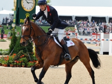 "William Fox-Pitt Celebrated His <a href=""http://www.chronofhorse.com/article/parklane-hawk-soars-win-rolex-kentucky"">Rolex Kentucky Win</a>"