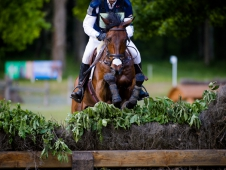 Bill Levett And Shannondale Titan Lead The Saumur CCI*** After Cross-Country
