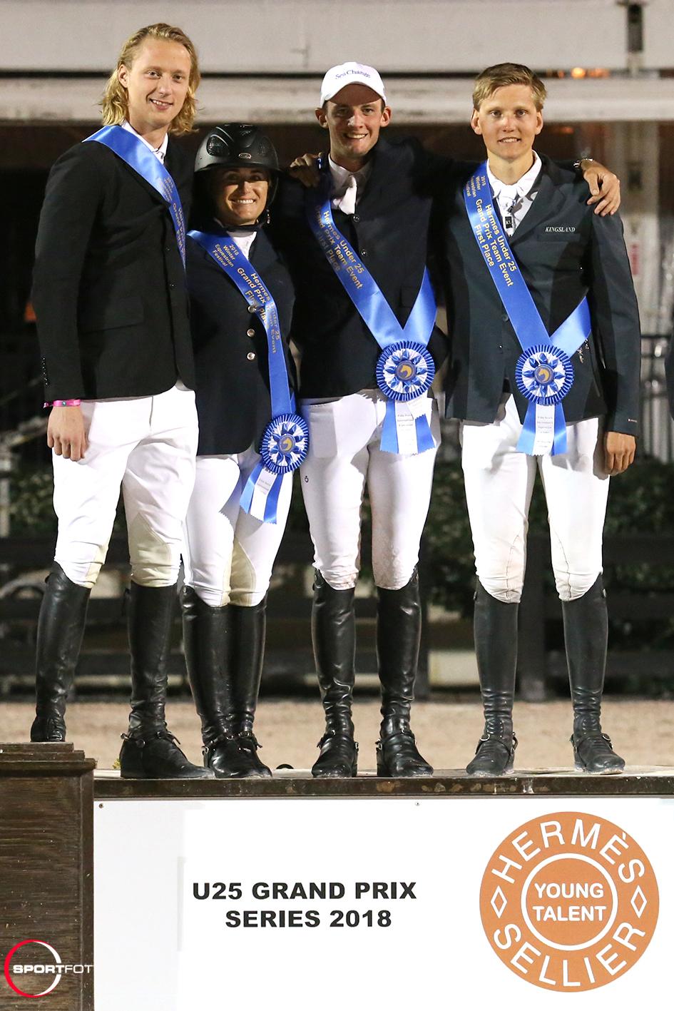 U25 Team First place podium 297_9794 Sportfot (1)