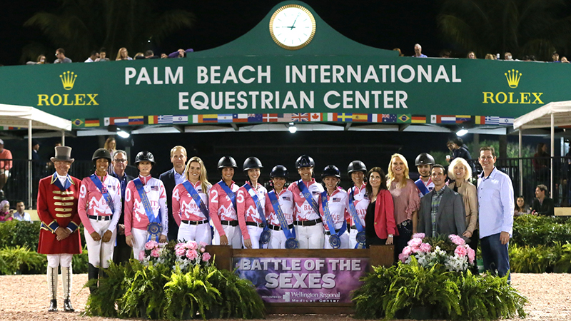 The winning women's team with ringmaster Steve Rector and Marvin Pember, Keith Alexander, Pam Tahan, Robbin Lee, Dr. Nicholas Sama, Jackie Leibowitz, and Dr. Adam Bromberg of Wellington Regional Medical Center. Photo © Sportfot.