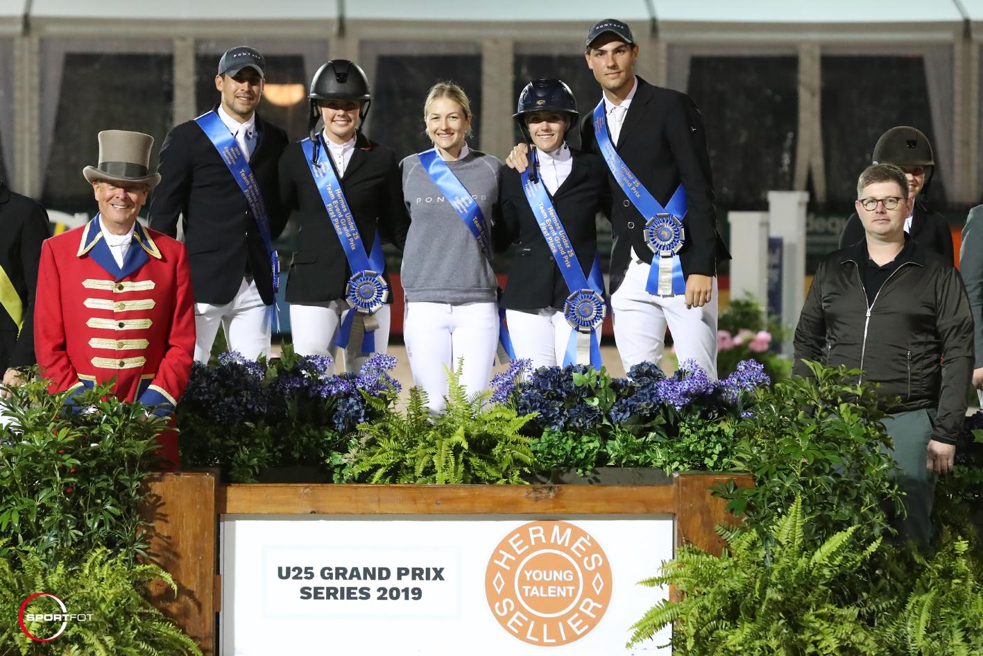 U25 Team Event first place podium 404_2708 Sportfot